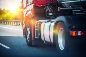 Large Trucks Leveraging Technology and Slipstream to Save Energy Amid Concerns from Safety Advocates
